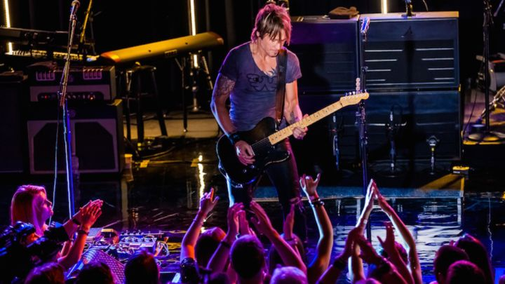 From jamming with Peter Frampton to dueting with a concertgoer, the country star shares memories of a whirlwind year Image - Keith Urban's 2014 Photo Diary: Sharing the Stage With Rock Icons, Friends & Fans | Rolling Stone