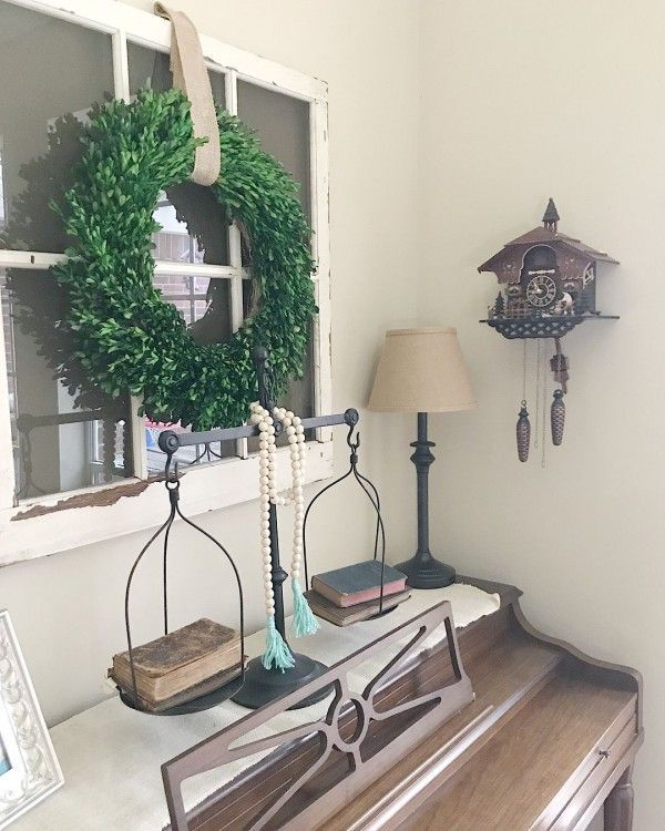 Old window frames make awesome foundation for some #farmhouse decor. Love it! #homedecor @istandarddesign