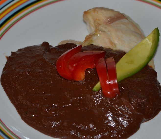 pollo mole poblano kip met chocoladesaus