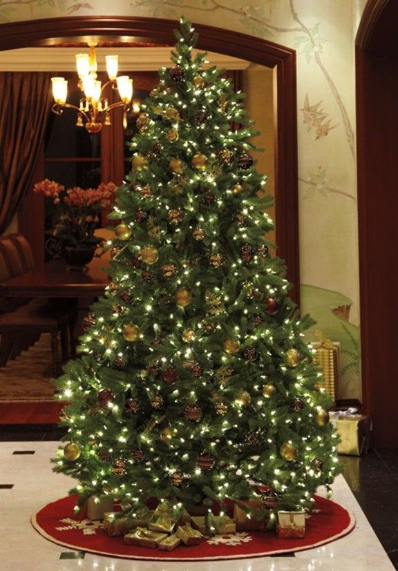 2013 prelit christmas trees, 2013 Personalized Prelit Christmas Tree, 2013 Christmas tree lights and pinecones ornaments #Prelit #Artificial #Christmas #Trees www.loveitsomuch.com