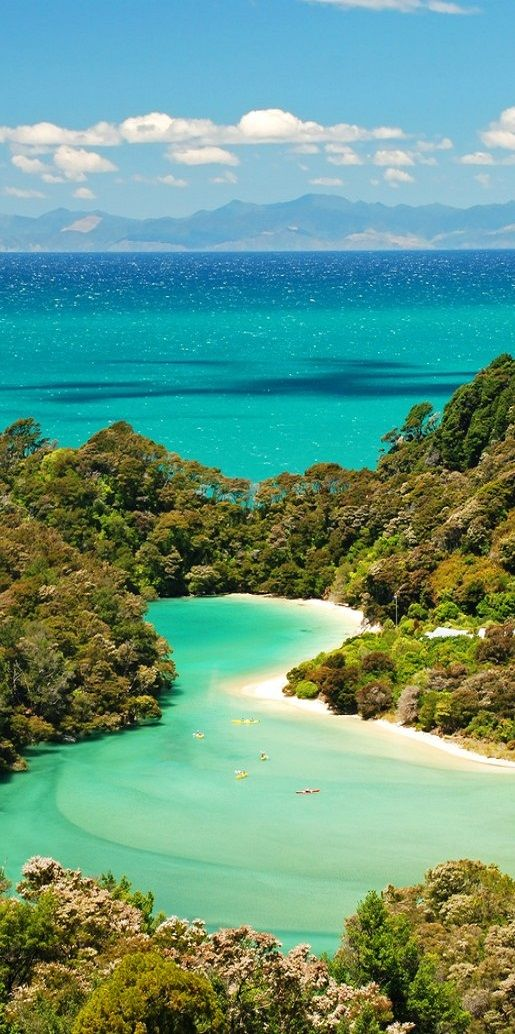 The stunning Bay of Islands - New Zealand #NewZealand #NZmustdo #grandpacifictours