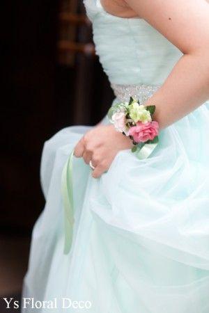 (記事、追記しました)昨年11月にセンチュリーコート丸の内さんでご披露宴の新婦さんより、お写真をいただきましたので、ご紹介いたします。とっても素敵なおふた...