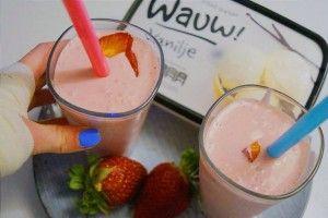 Sukkerfri jordbærmilkshake med en sukkerfri vanilleis