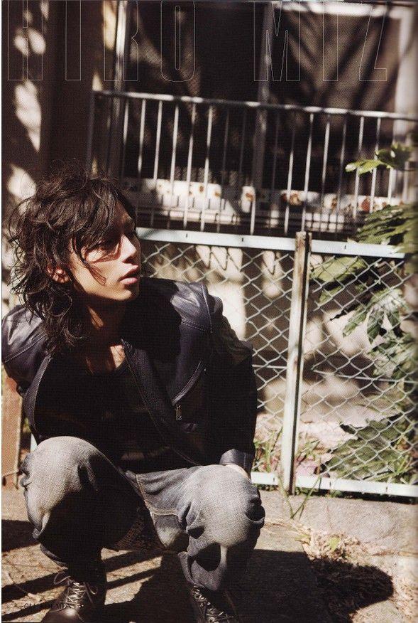 Mizushima Hiro - Photos