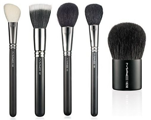 FACE brushes. MAC #168 Large Angled Contour Brush � powdered bronzer or blush . MAC #150 Large Powder Brush  � face powder application. MAC #129 Powder/Blush Brush � for blush application. MAC #182 Buffer Brush �  mineral makeup this brush is essential.  softer and denser than the other buffer or kabuki brushes out -  Want to learn how to properly apply your makeup? http://ezsmokeyeyes.com/