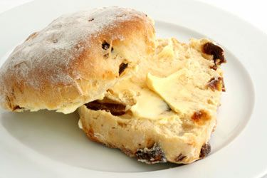 Apple and date scones