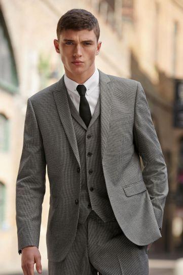 Matthew Holt Models Next Fall 2015 Styles – DESIGNS FEVER