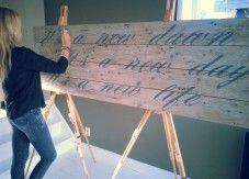 Passionforlyrics.nl verkoopt wandbord schilderijen met songteksten via #KUNSTmarktplaats.nl. #schilderij #wandbord #lyrics #songtekst #hout
