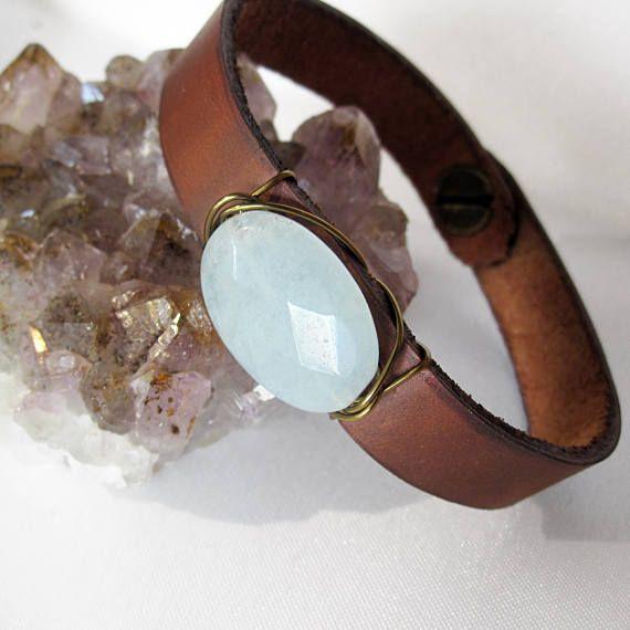 Eine von einer Art polierten Robins Ei Jade und Leder Armband