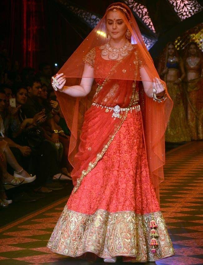 Preity Zeinty in a bridal lehnga at IIJW 2015 ramp