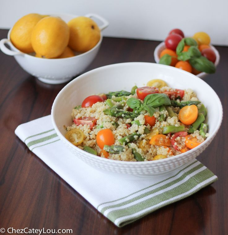 Quinoa Salad with Asparagus and Tomato.