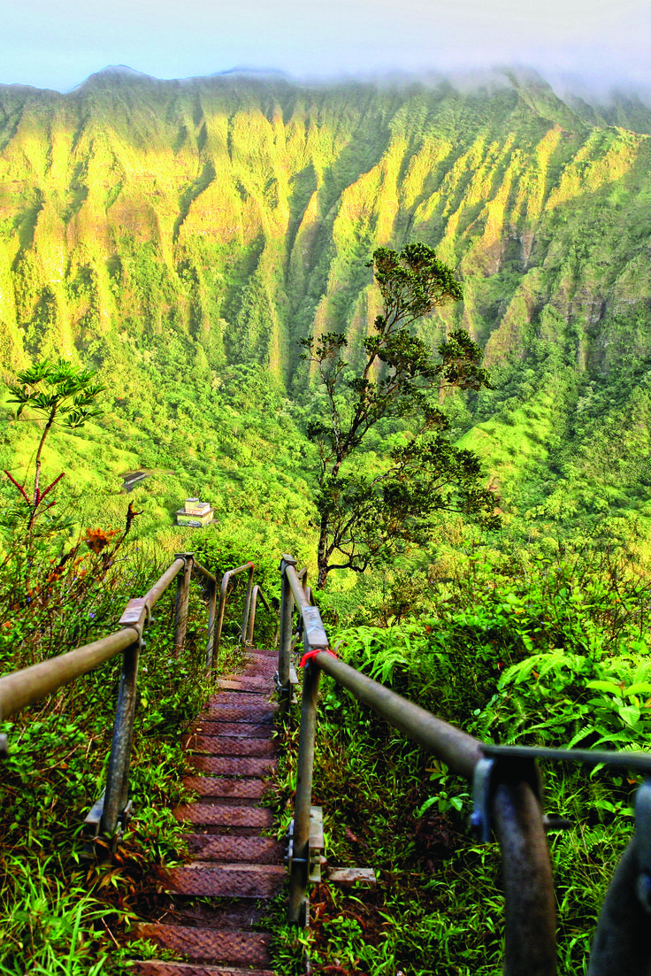These 15 Hiking Spots In Hawaii Are Completely Out Of This World