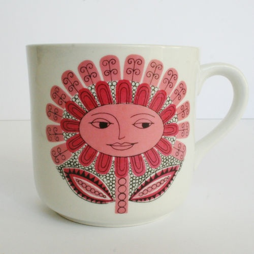 "Vintage Child's Mug Arabia of Finland Pink ""Daisy"" Design by Esteri Tomula Form by Kaarina Aho 