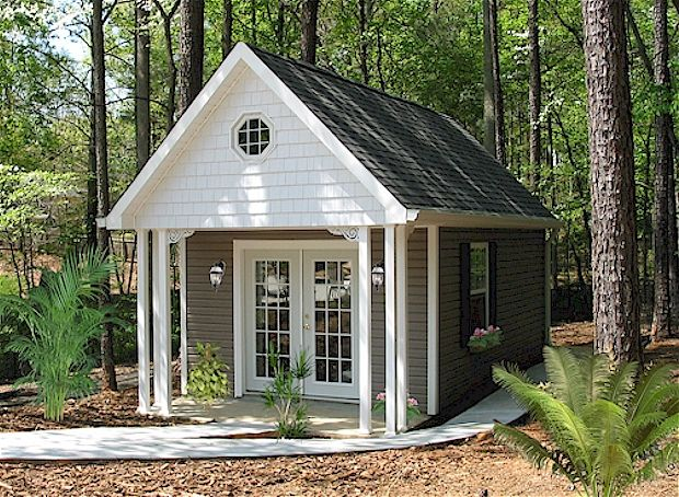 Bradley Upscale Ambrosia Model LOVE THIS! Garden storage