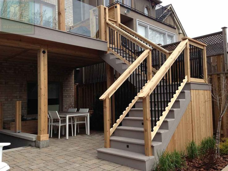pvc_deck_with_glass_railings_and_walkout_basement_10