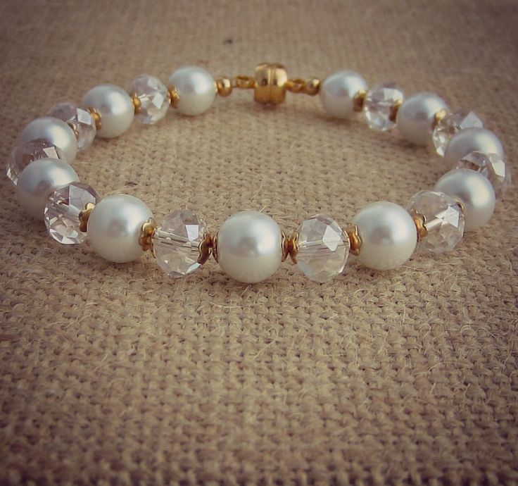 Hand in hand.. heart to heart.. on this day, your adventure starts! 💕  Sparkly bridal bracelet featuring South Sea pearls and Swarovski crystals. -8mm south sea pearls -6x8 Swarovski rondelle crystals