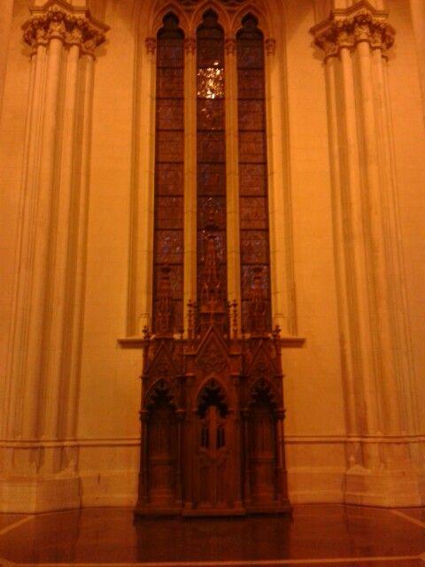 Catedral de La Plata. Buenos Aires. Confesionario