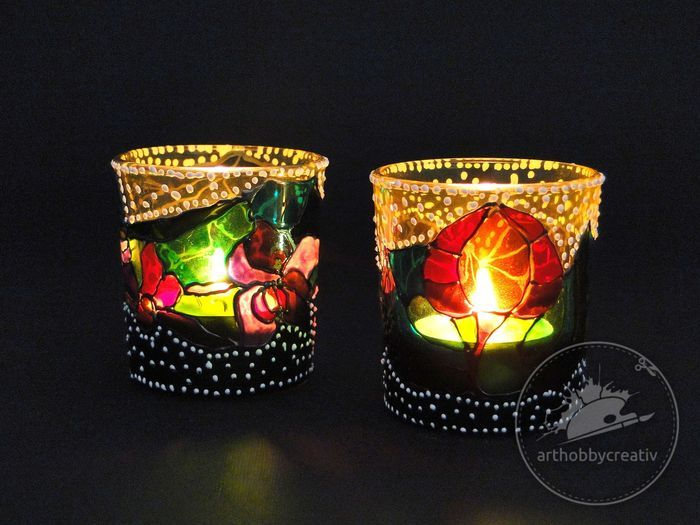 Suport de lumanare pictate cu vopsea pentru sticla http://www.arthobbycreativ.ro/blog.php?sm=298