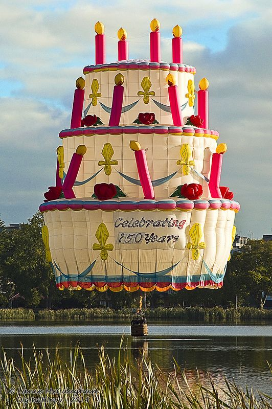 Balloons Over Waikato 2014 splash and go
