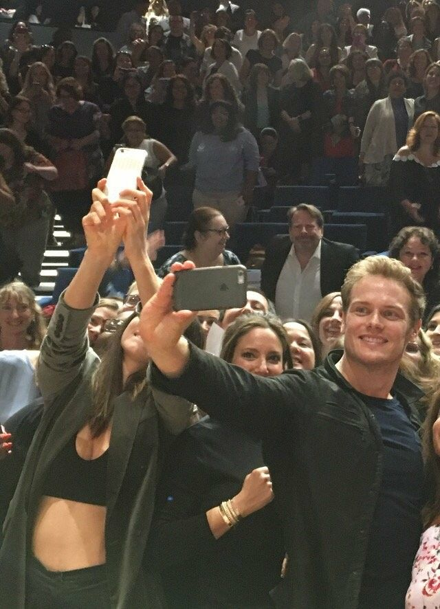 Caitriona Balfe and Sam Heughan selfie with the fans at the EW Premiere for Episode 1 of Outlander_Starz Season 3 Voyager - September 5th, 2017