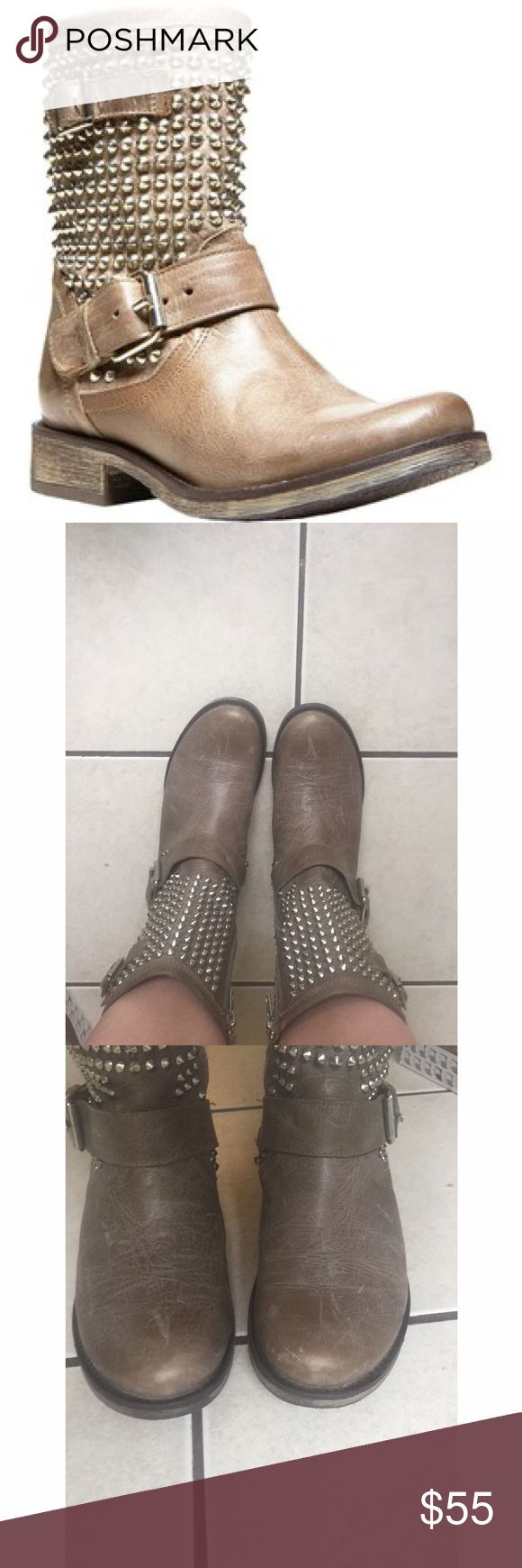 Steve Madden Stone Monicaa Ankle Boot ◾️Size: 9W ◾️ Brand: Steve Madden ◾️ Damage: Indents on top of boots , not visible when worn  ◾️Product name through brand: Monicca ◾️Type of boot: Studded ankle boot ◾️ Times worn outside: One ◾️ Construction materials: Rubber and Leather ◾️ Manufacturing Country: Mexico ◾️ Color: Stone ◾️ No trades but all offers considered  ◾️ Feel free to ask any questions before purchasing 💕 ◾️ Can ship out same day on most days if purchased before 4pm eastern time…