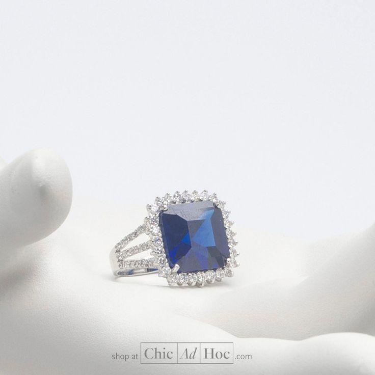 Le Monde Des Bijoux_Anello tipo solitario in argento 925 con corona di zirconi e zircone centrale tipo zaffiro