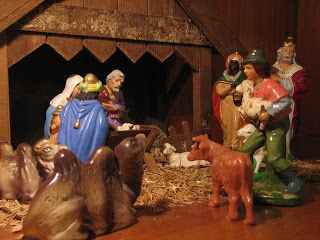 Sings that tell the Christmas story for preschoolers.