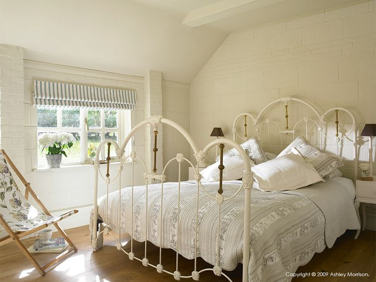 Guest bedroom in Beth  Jason Cooper's barn near Guildford in Surrey.