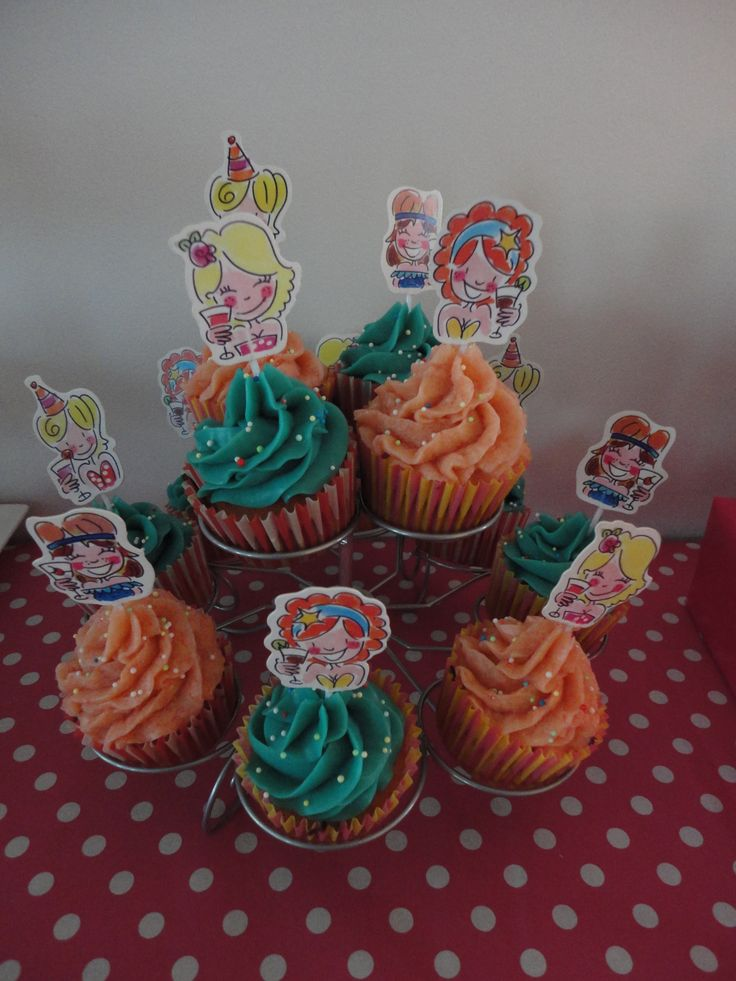 Blond amsterdam cupcakes met toef