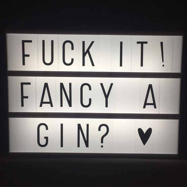 #Friday #gin #lightbox #yes @grimmer123 @joannerthomson