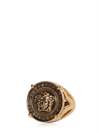 16efe01356349a VERSACE Medusa Coin Vintage Gold Ring, Gold. #versace #rings ...