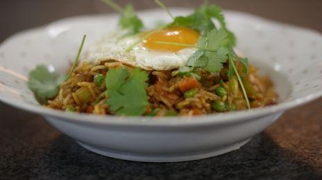 Eén - Dagelijkse kost - Gewokte rijst met een spiegelei