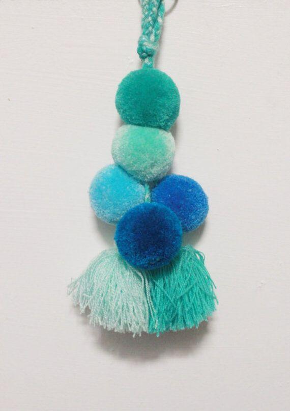 Pompon porte-clé - sac pompon, fils de pompons, art populaire mexicain, Art mexicain