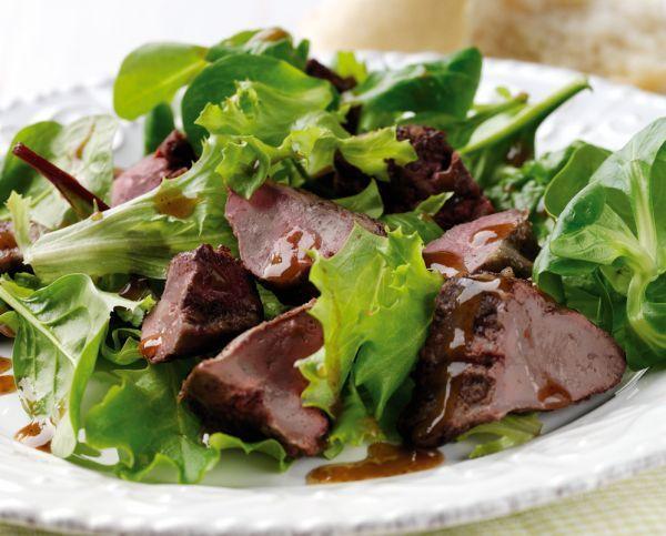 Как приготовить салат из говяжей печенки