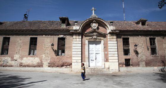 La alcaldía de Aranjuez no impide la ruina del edificio histórico Hospital San Carlos  http://ccaa.elpais.com/ccaa/2014/08/20/madrid/1408558343_824331.html