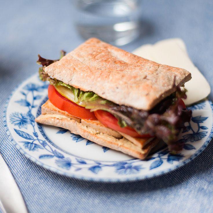 Sandwich au tofu mariné