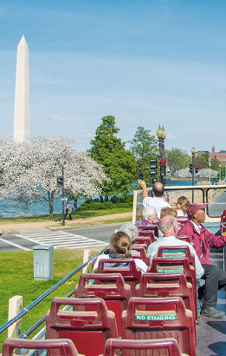 Go on a sightseeing tour of Washington, DC on a bus that lets you hop on and off as you please #GrouponGetaways