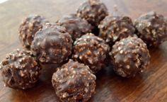 Receptek, és hasznos cikkek oldala: Tudd meg, hogy készül a házi Ferrero Rocher 5 hozzávalóból!