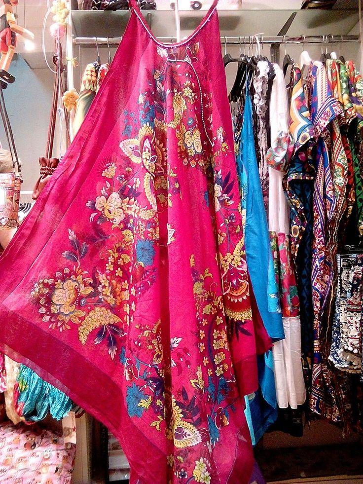 Μακρύ φόρεμα καφτάνι παραλίας σε φλοράλ μοτίβο