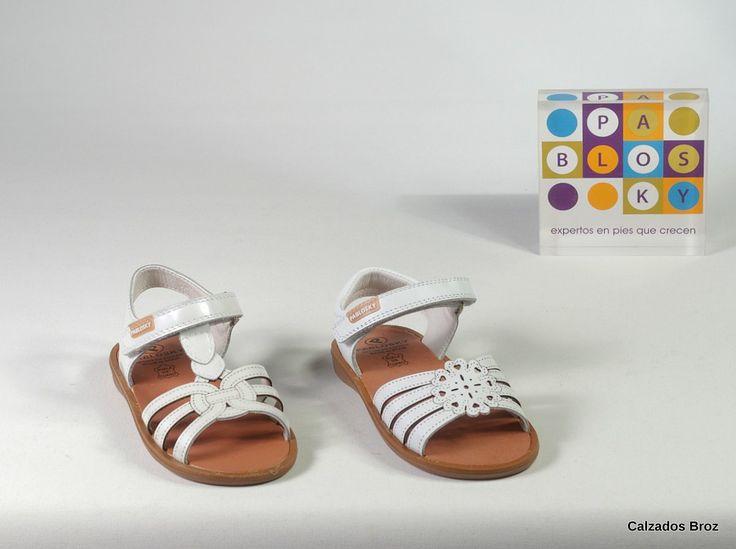 Colección Pablosky. Sandalias de piel con velcro - Branco. (nena).