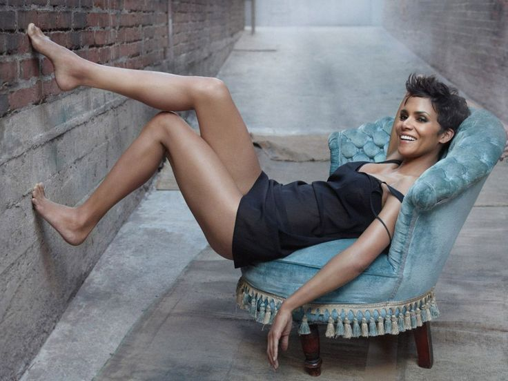 Zeman Celeb Legs: Halle Berry's Legs Gallery | Halle Berry (born August 14, 1966) is an American actress and former model known for Monster's Ball, The Flintstones, Catwomen, X-Men, Swordfish, James Bond.