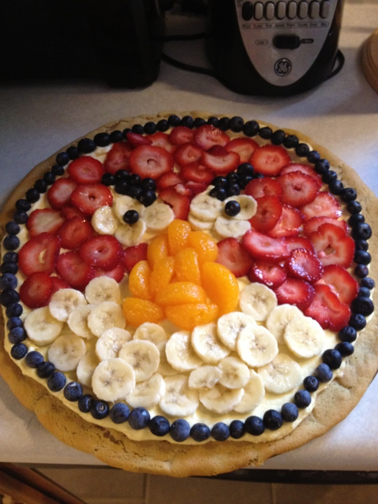 Angry Birds Fruit Pizza -   Its basically a big fruit tart based on a sugar cookie, cute idea for an Angry Birds Party