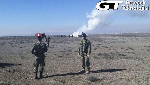 Konya#039;da F4 eğitim uçağı düştü.Valilikden yapılan açıklamaya göre pilotlar atladılar bir pilot kurtulurken diğer pilottab haber henüz alınamadı.