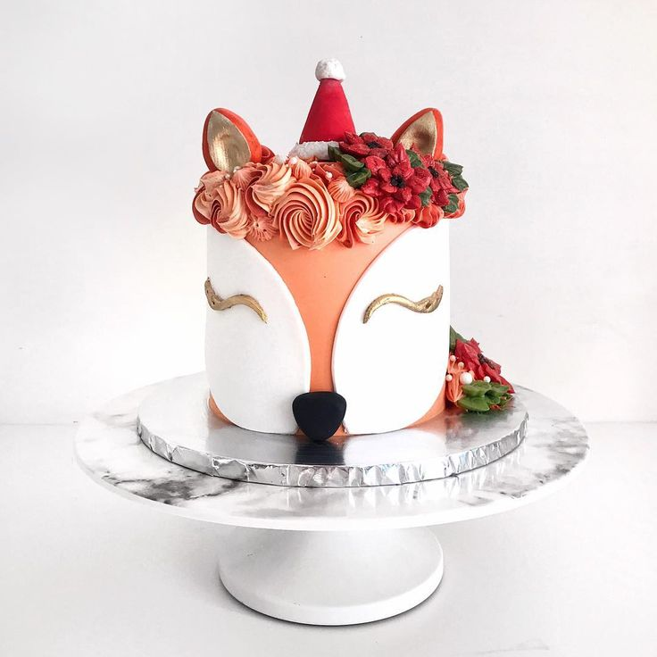 """4,051 Likes, 44 Comments - Shaun Teo  (@shaunteocreations) on Instagram: """"A foxy Christmas with this festive Fox cake! No need for reindeers, make way for the foxes! ✨"""""""