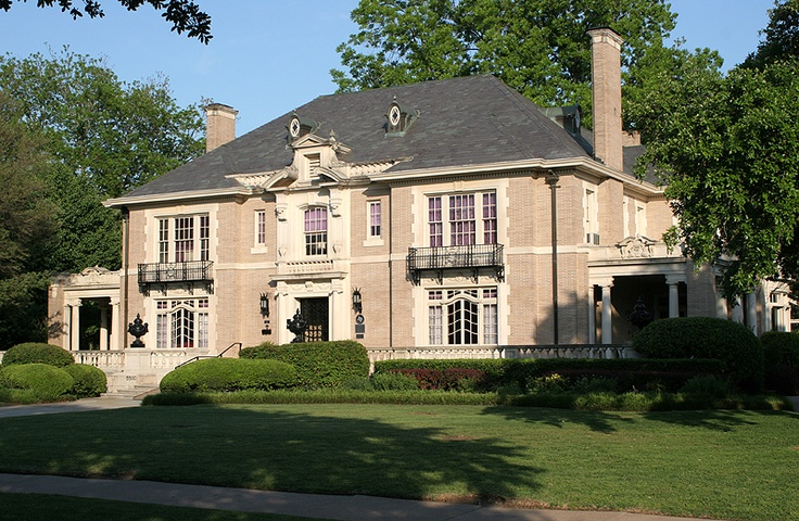 5953 best images about houses on pinterest front for Beautiful classic homes