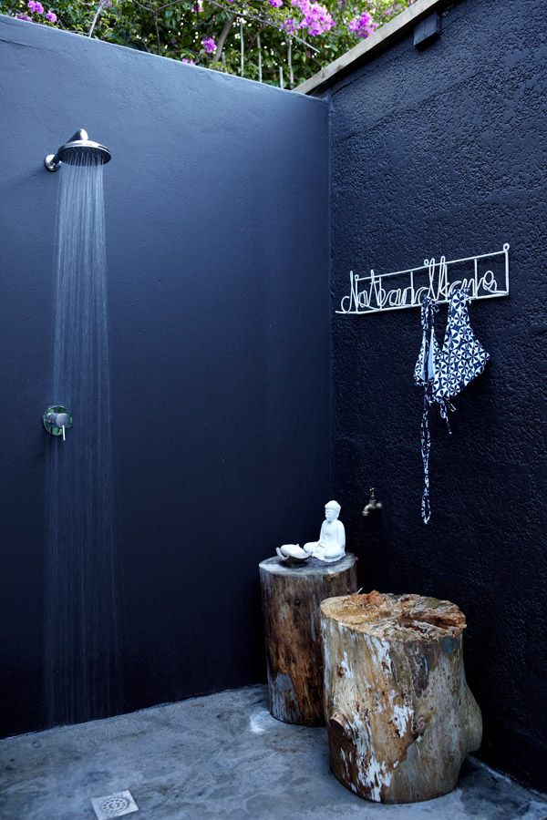 perfect outdoor shower, no?Bathroom Design, Outside Shower, Ideas, Outdoorshower, Outdoor Showers, Interiors Design, House, Trees Stumps, Outdoor Bathroom