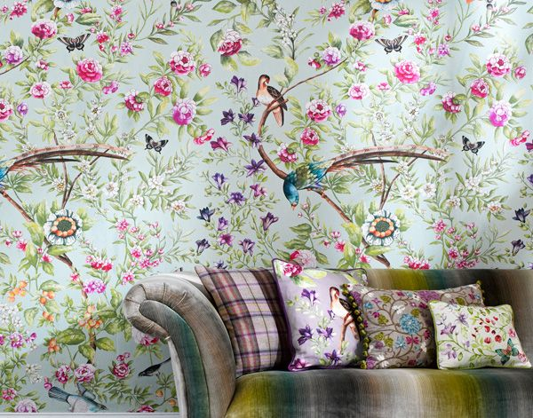 colour in wallpaper for walls