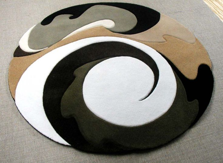 Small Round Area Rugs | This round rug will really set off a spacious floor. Via Design Plus ...