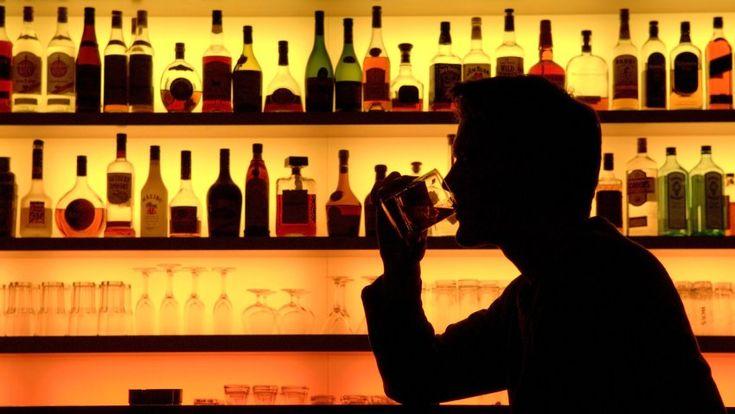 Если вы решили излечить человека от алкоголизма с помощью магии - постарайтесь сделать так. чтобы он об этом не узнал.