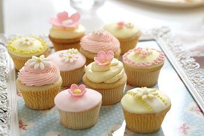 lovely Easter colorsBaking Cake, Flower Cupcakes, Parties Ideas, Daisies Cupcakes, Cakewalk Baking, Flower Tutorial, Real Deals, Birdie Blue, Lemon Cupcakes